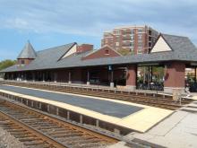 Metra Arlington Heights UP-NW Station