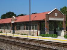 Metra Belmont BNSF Station