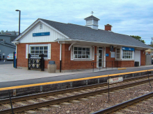 Metra Cary UP-NW Station