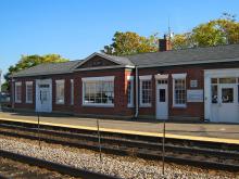 Metra Elgin Milw-W Station