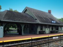 Metra Golf Milw-N Station