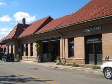 Metra Hinsdale BNSF Station