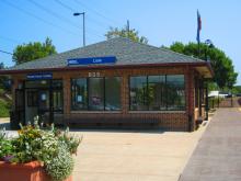 Metra Lisle BNSF Station