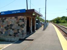 Metra Long Lake Milw-N Station