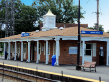 Metra Morton Grove Milw-N Station