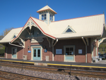 Metra West Chicago UP-W Station